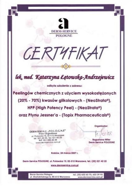 certyfikat ze szkolenia w zakresie peelingów chemicznych