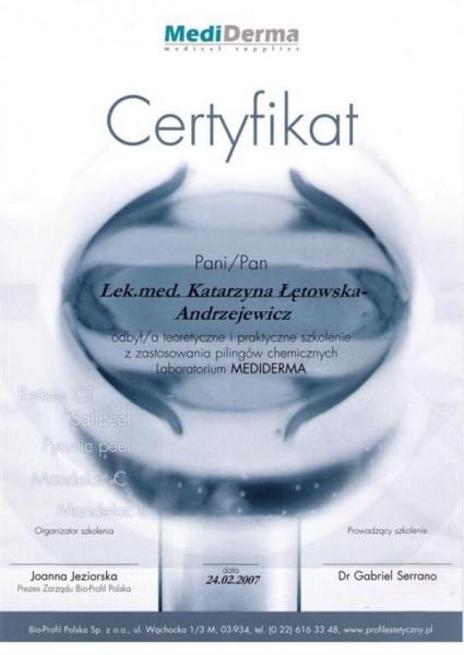 certyfikat uczestnictwa w szkoleniu z zastosowaniem peelingów chemicznych